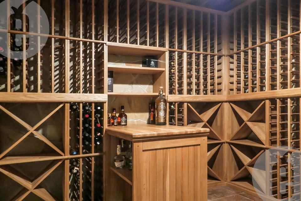 Грамотный подбор винных стеллажей