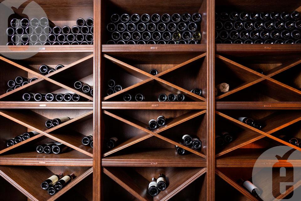 stelaji-vino-butilki-1