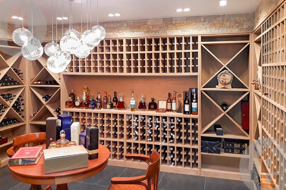 хранения бутылок с вином