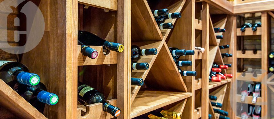 стойка под вино