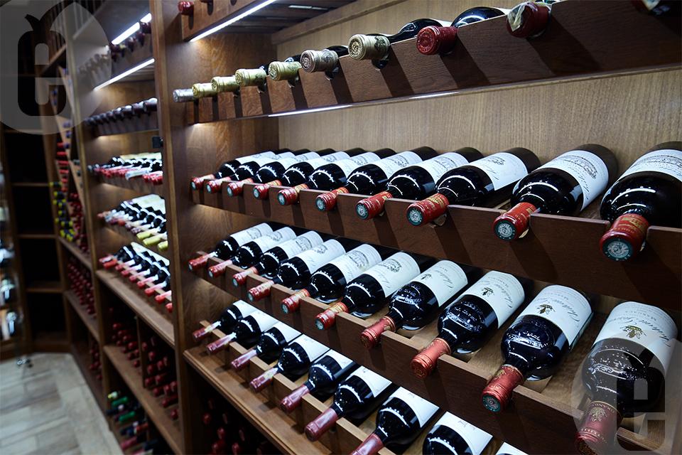 Как заказать качественный винный стеллаж