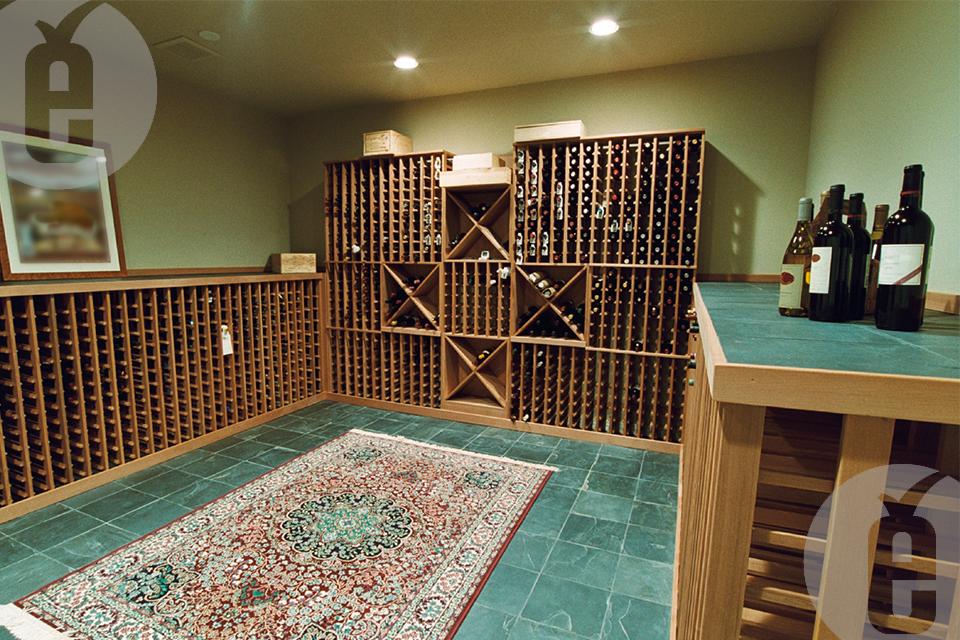 Как подобрать стеллаж для бутылок вина для дома