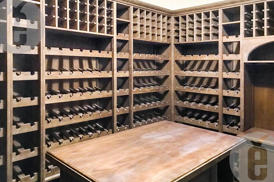 Как подобрать и купить стеллаж для вина из дерева