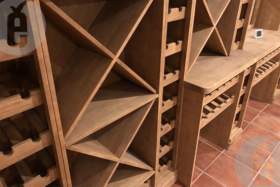Купить винный шкаф для винной комнаты в частном доме